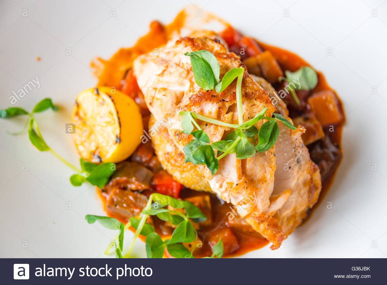 V Chr Gegrillter Lachs Provencal Knusprige Quinoa Kuchen