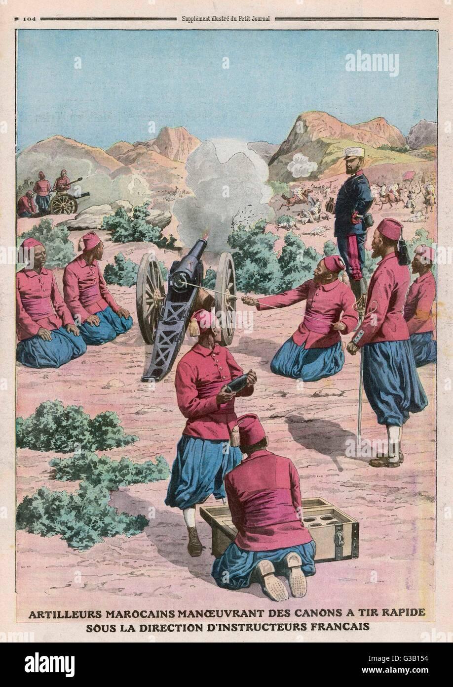 Französisch Lehren Marokkaner, einem schnell feuernden Kanone Datum verwenden: 1911 Stockbild