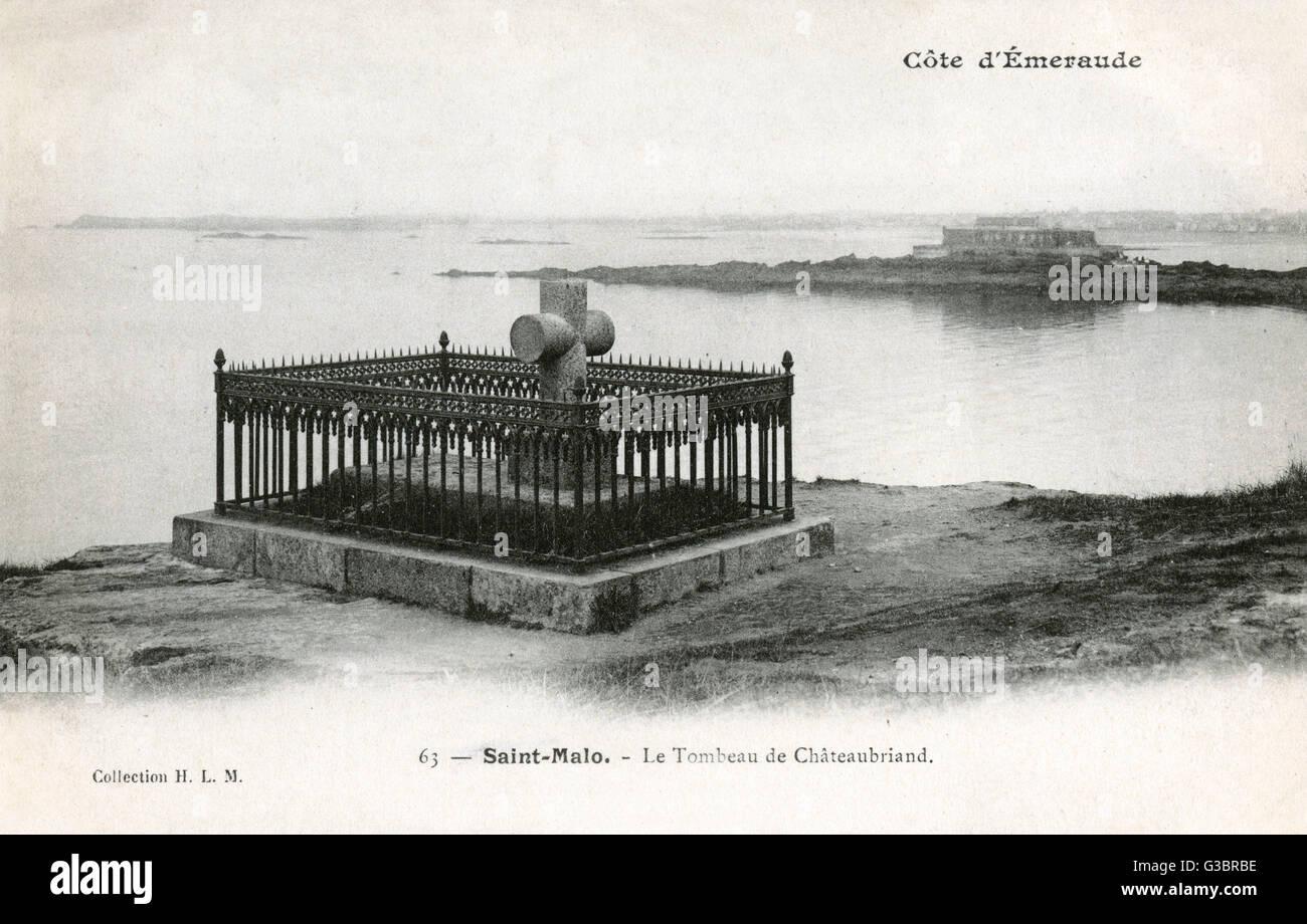 Frankreich - Saint-Malo - die Costa Smeralda - Grab von Chateaubriand. Fran?s-Ren?vicomte de Chateaubriand (17681848) Stockbild