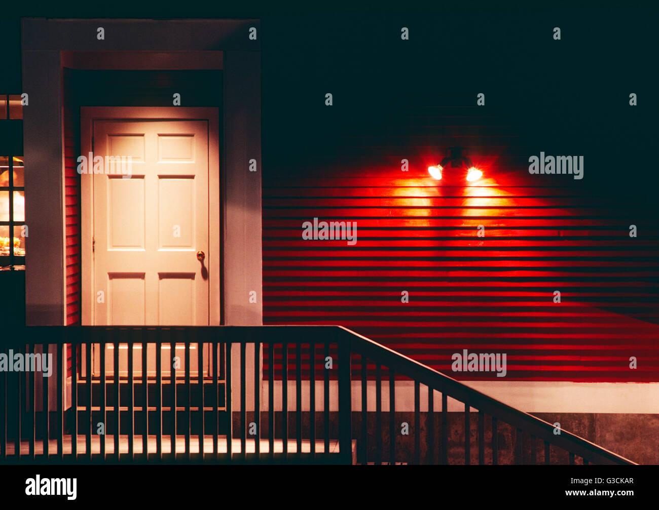 Nächtliche Aussicht auf Seite Eingangstür zum Green Mountain Inn; Stowe; Vermont; USA Stockbild