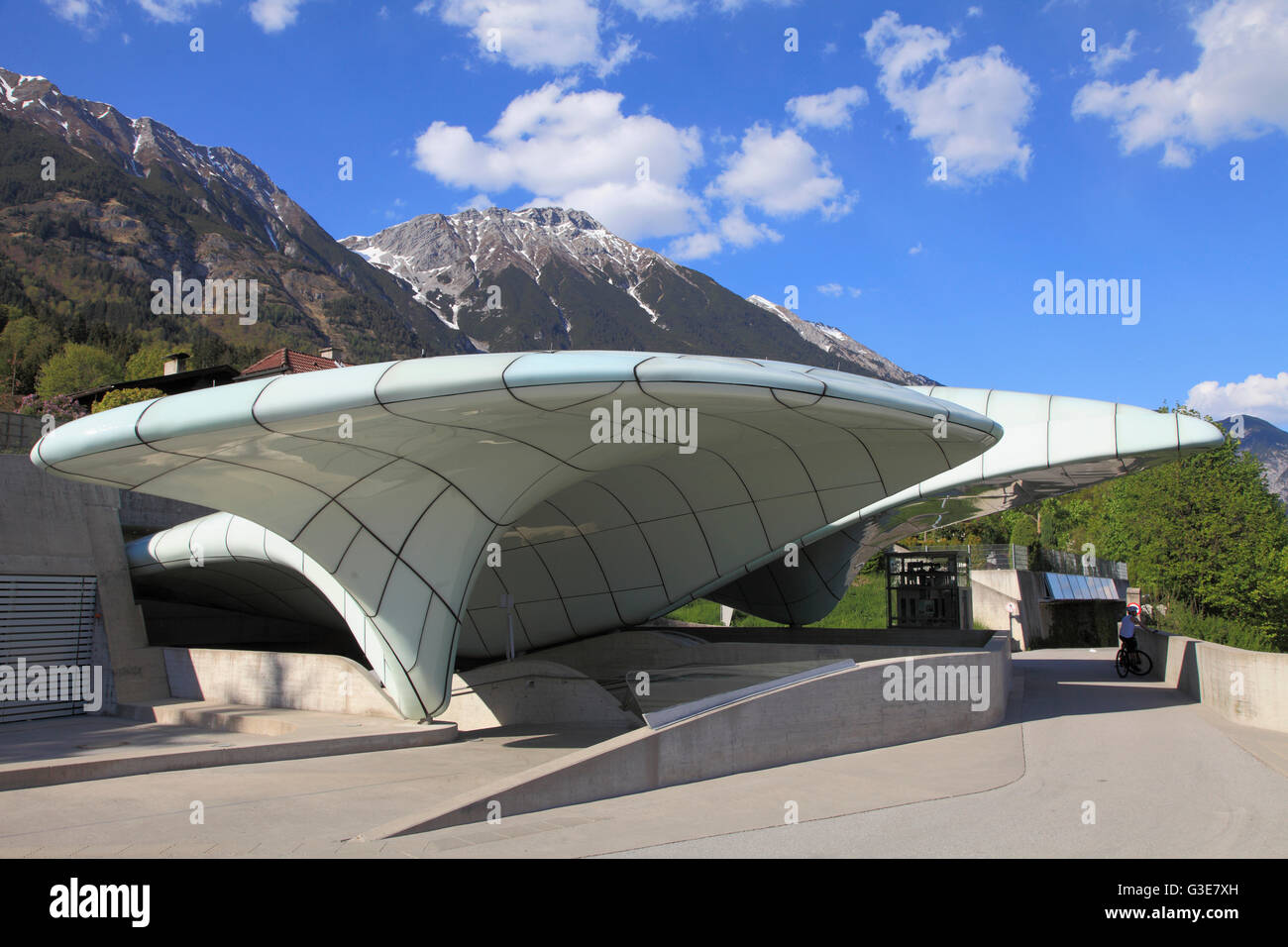 sterreich tirol innsbruck hungerburg seilbahn station architektin zaha hadid stockfoto. Black Bedroom Furniture Sets. Home Design Ideas