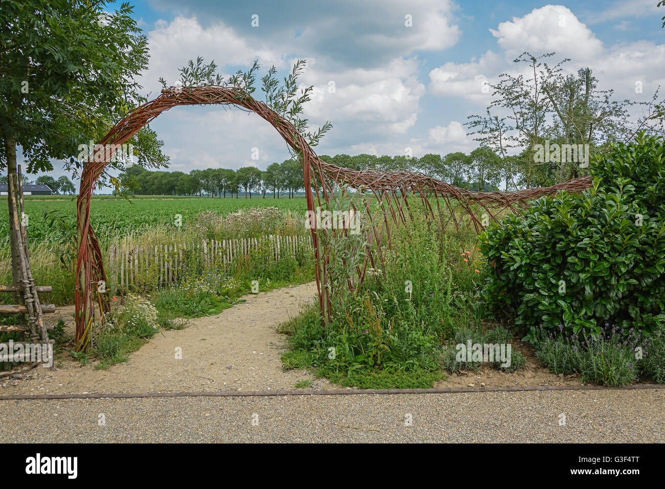 Fence Woven Stockfotos & Fence Woven Bilder - Alamy