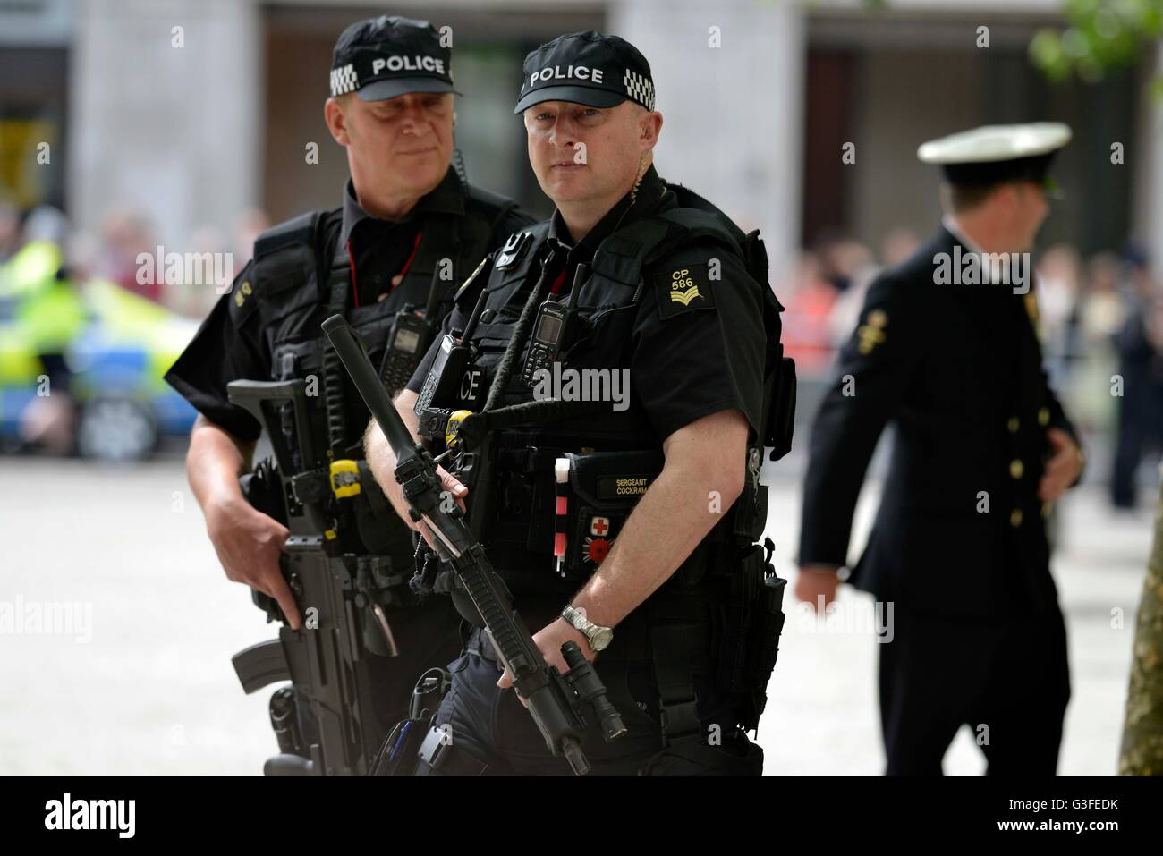 Bewaffnete Polizei, London, England, UK Stockbild
