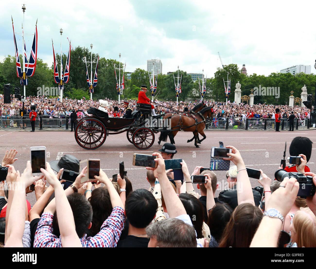 London Uk 11 Juni 2016 Eine Vielzahl Von Waffen Die Die Bilder