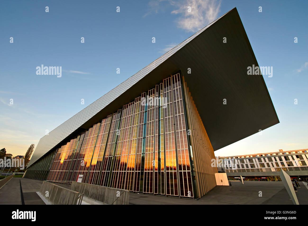 Organischen farbstoffsensibilisierten Solarzellen an der SwissTech Convention Center, École Polytechnique Fédérale Stockbild