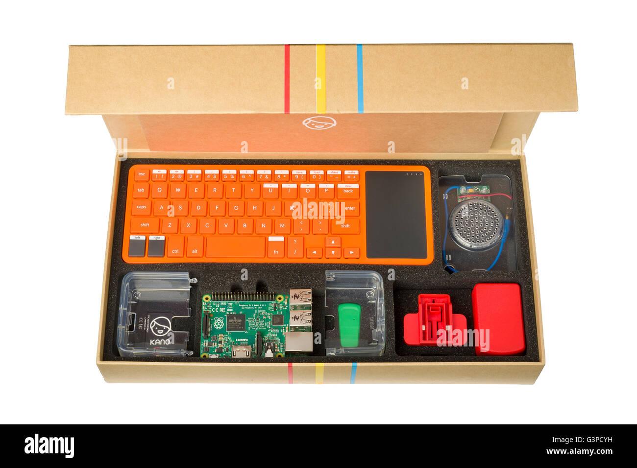 Kano-Computer-Kit in einem Karton. Bauen und code-einen Computer für Kinder Fähigkeiten zu vermitteln. Stockbild