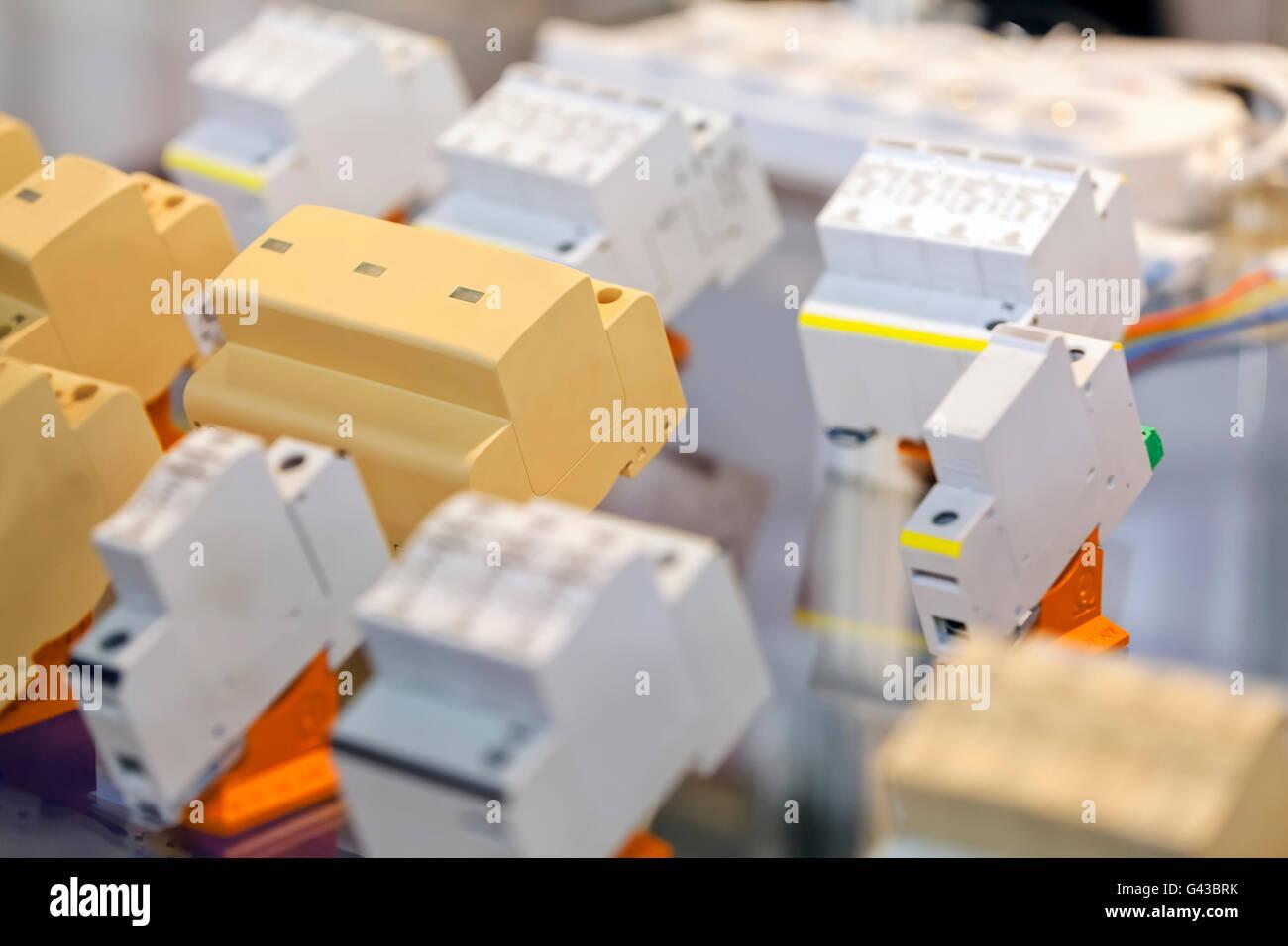 Ungewöhnlich Dreipolige Schalterverkabelung Ideen - Elektrische ...