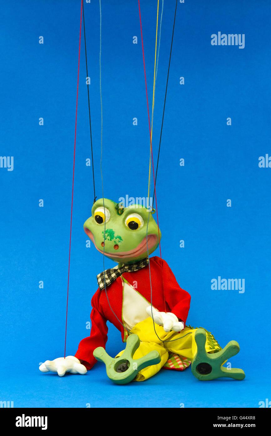 Wooden Puppet String Marionette Stockfotos & Wooden Puppet String ...
