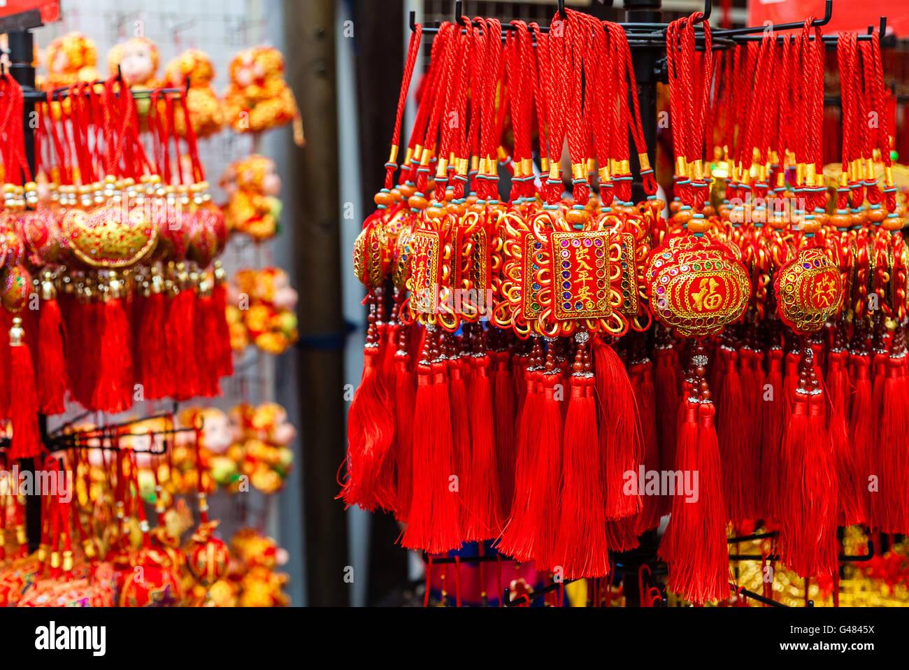Chinese New Year Ornamente auf Verkauf in Chinatown. Diese ...