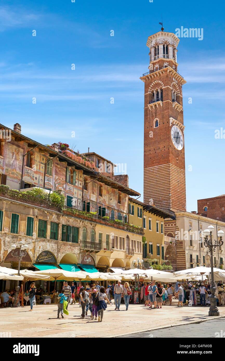 Piazza Delle Erbe, Altstadt von Verona, Venetien, Italien Stockbild