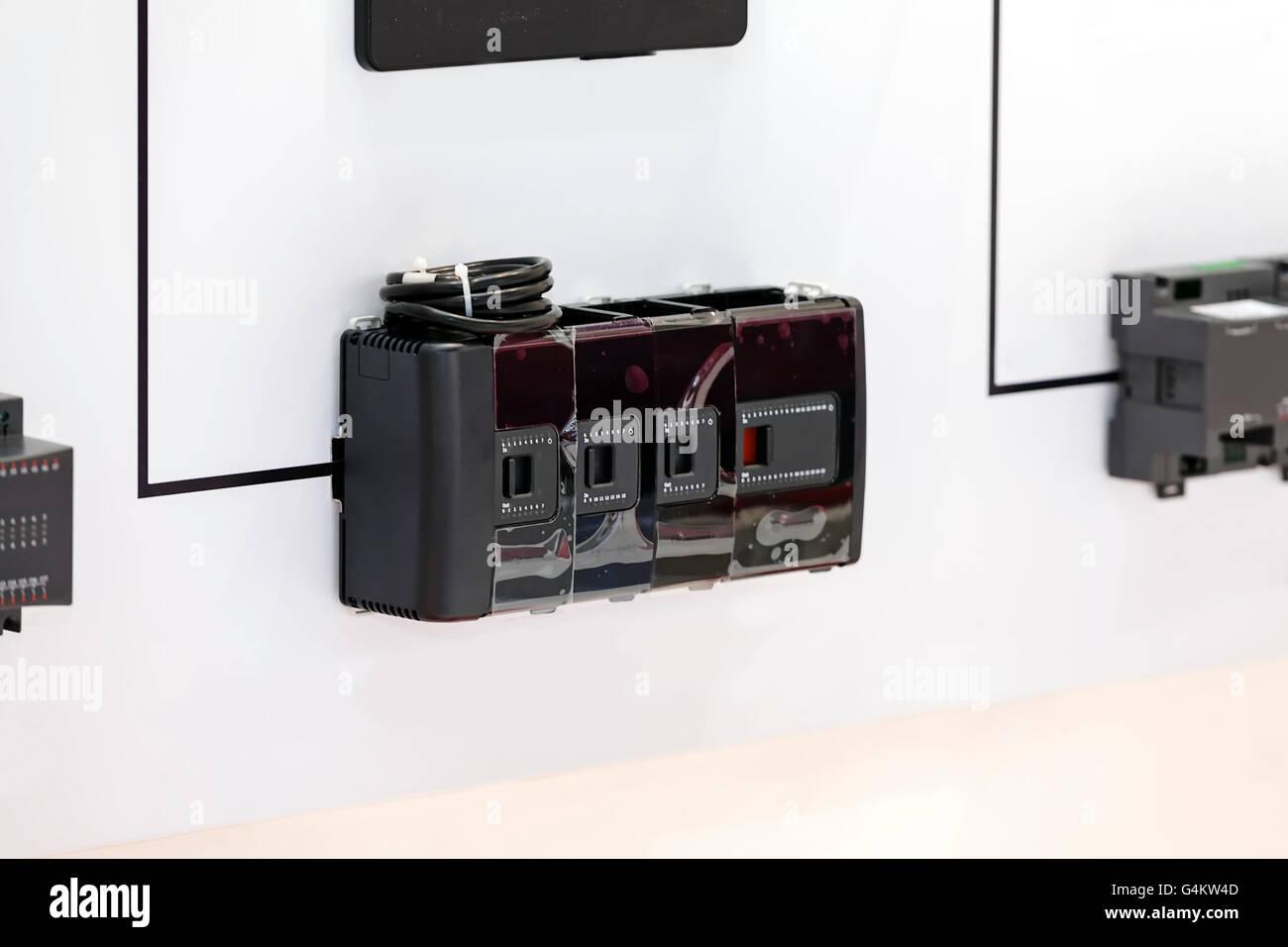 Nett Automatische Leitungsabgriffe Fotos - Elektrische Schaltplan ...