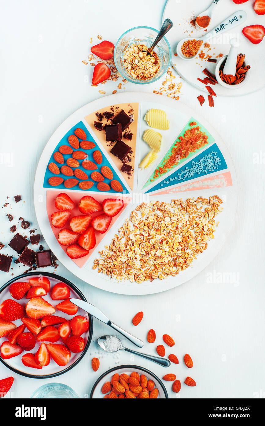Was gibt es zum Frühstück (Erdbeer Haferflocken) Stockbild