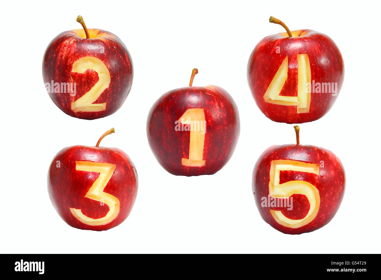 Nummer 1 bis 5 Symbol auf Äpfel Stockbild
