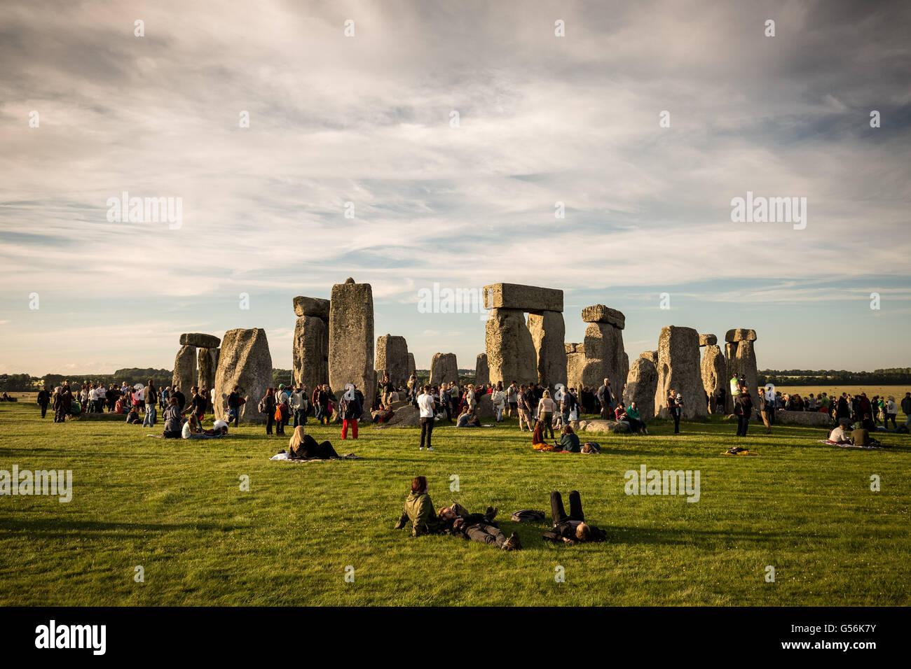 Avebury, UK. 21. Juni 2016. Stonehenge Sommersonnenwende feiern die Credit: Guy Corbishley/Alamy Live-Nachrichten Stockfoto