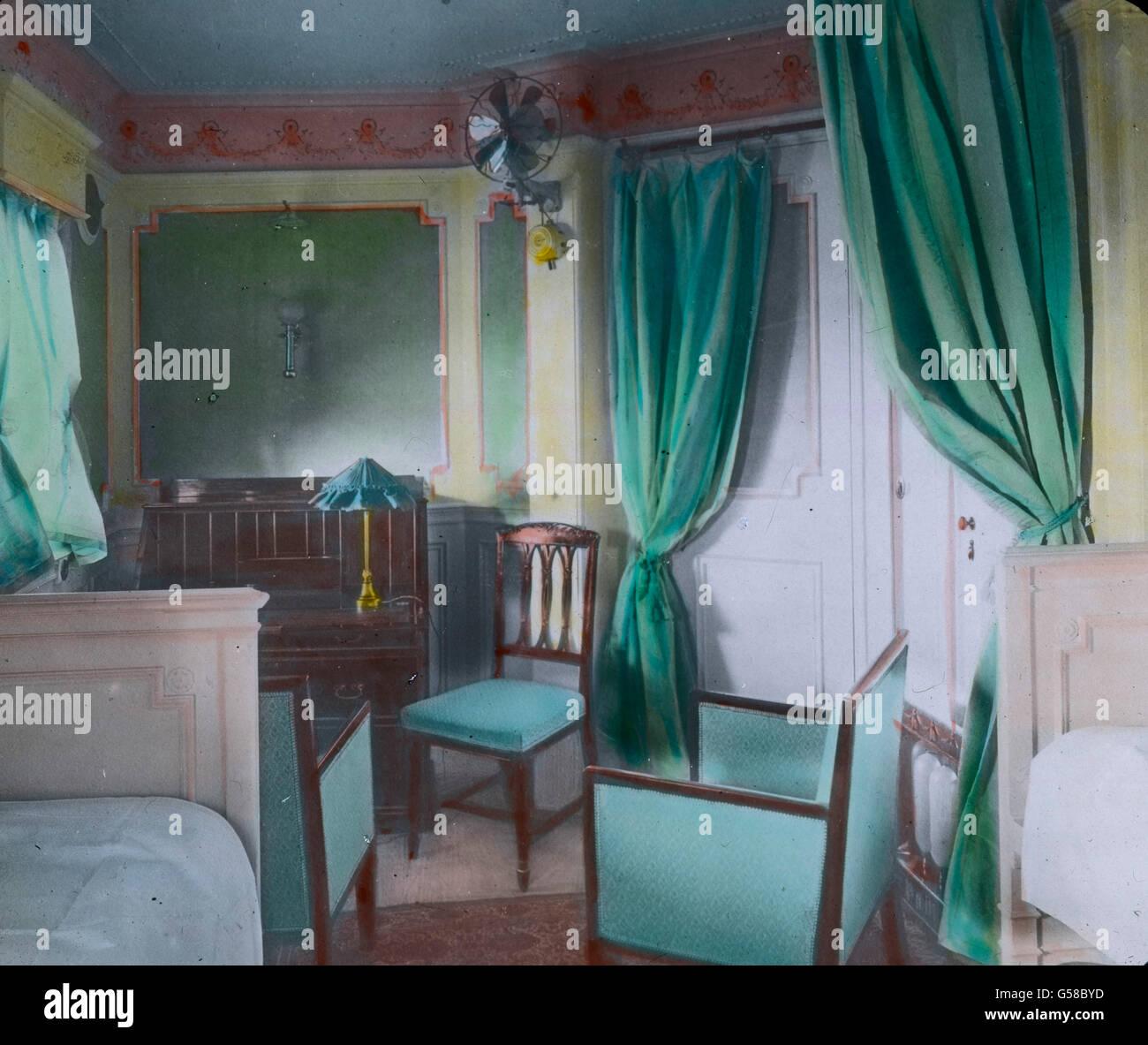 In Einer der Kabinen der Oberen Preisklasse: Luxuriös Eingerichtete ...