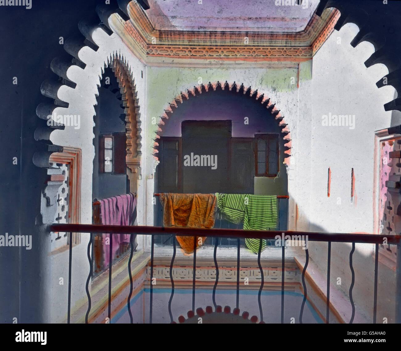 Arkadenbögen Im Inneren Eines Begüterten Malgrat. Marokko, Marokko ...