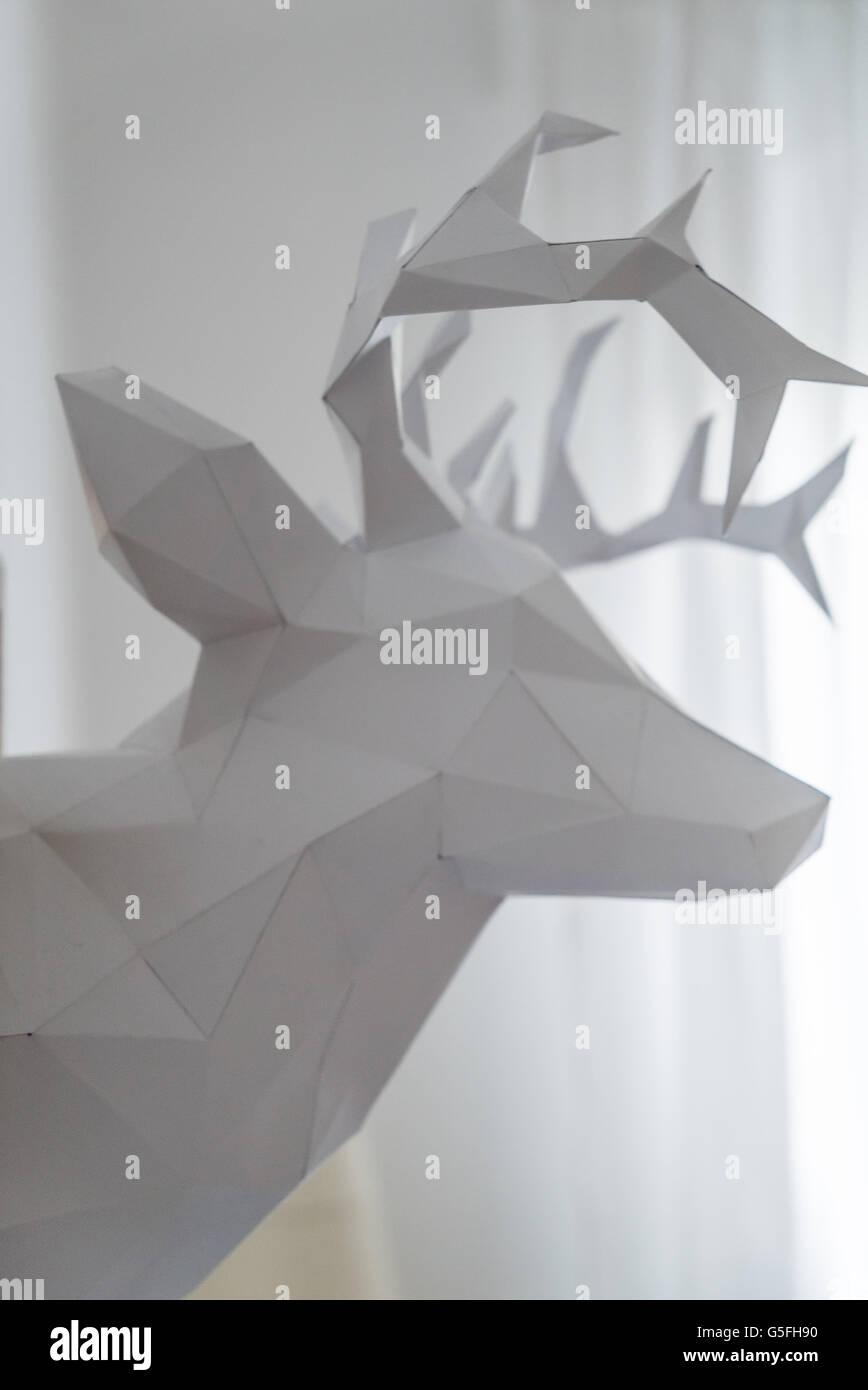 Origami-Weißer Hirsch-Modell Stockbild