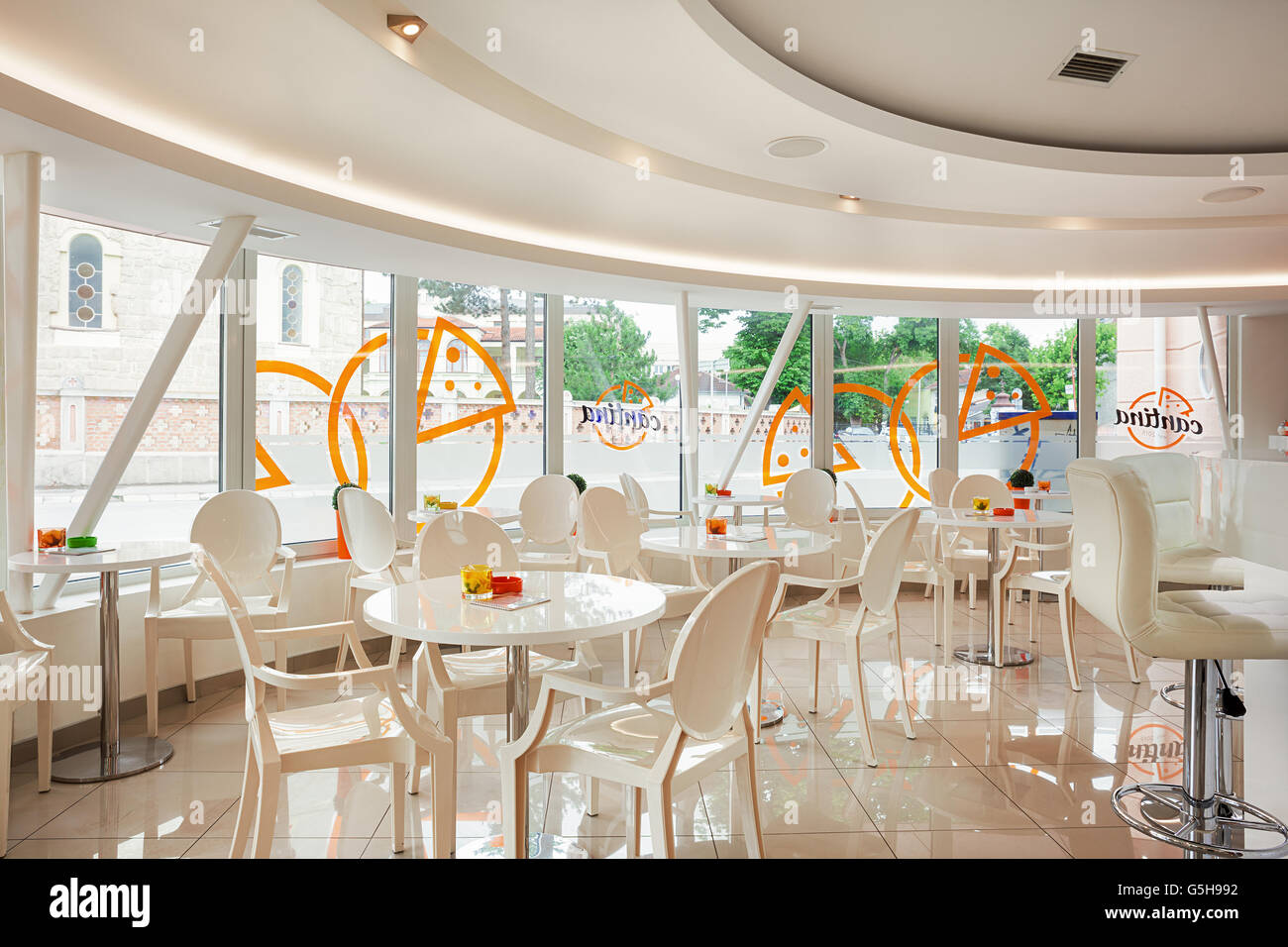 Interior Cafe Bar White Futuristic Stockfotos & Interior Cafe Bar ...