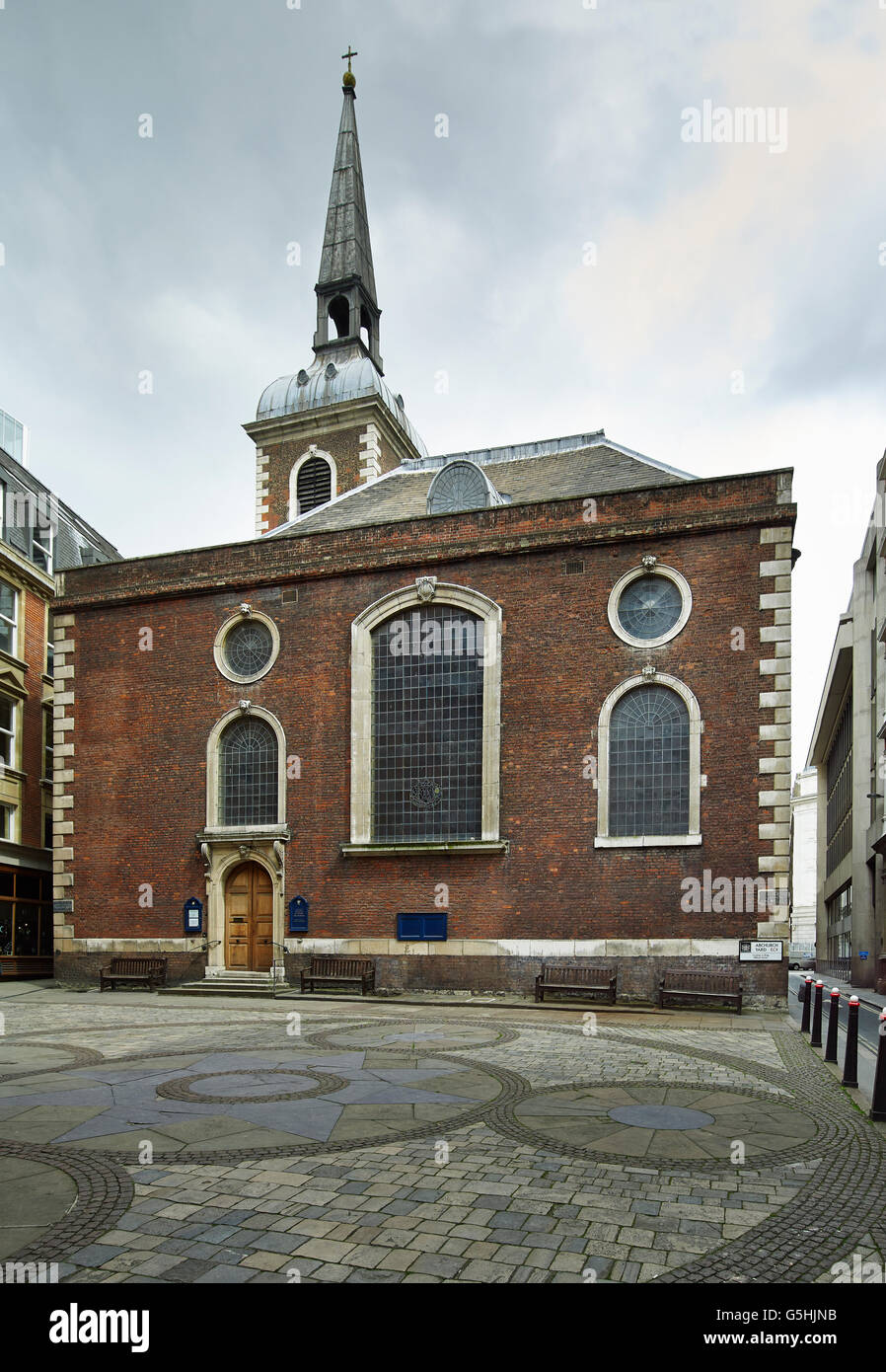 St Mary Abchurch, Kirche in der City of London, roten Backsteinfassade Stockbild