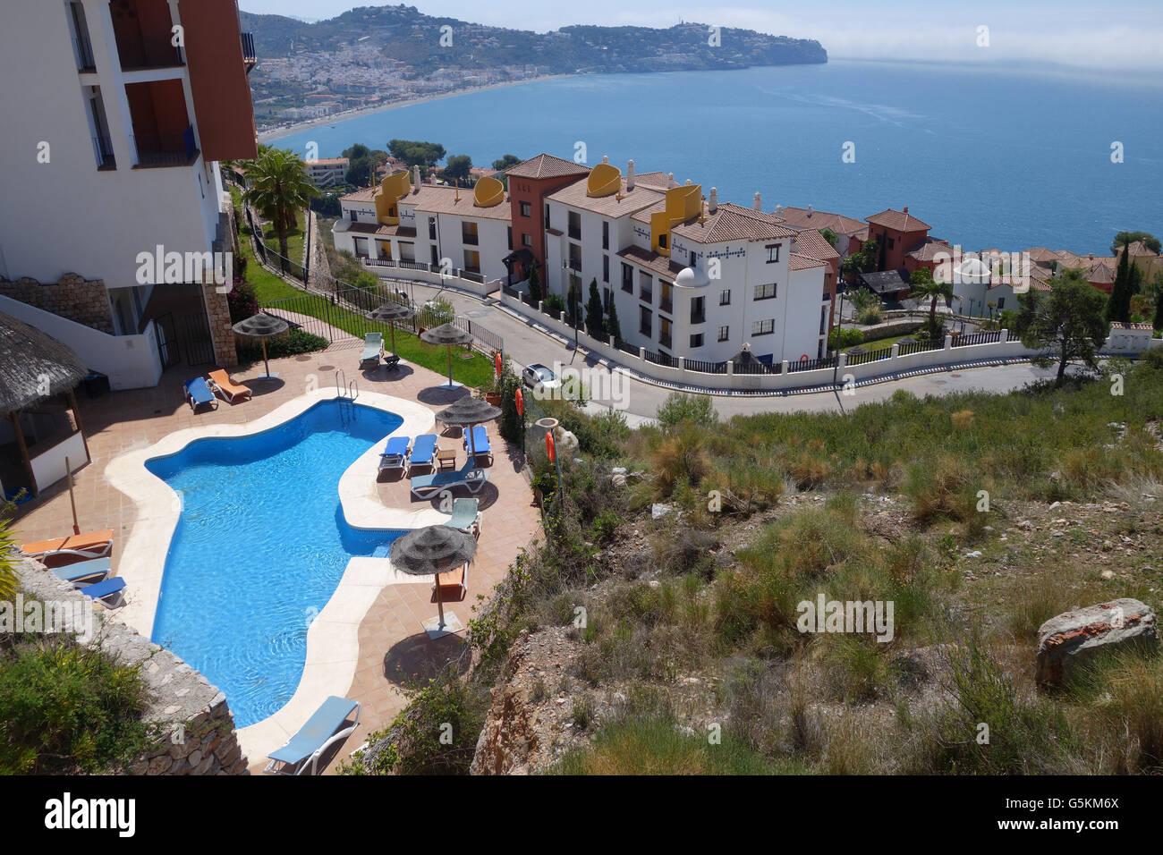 Urlaub Immobilien und Villen Urbanisation in Herradura, Costa Tropical, Spanien. Stockbild