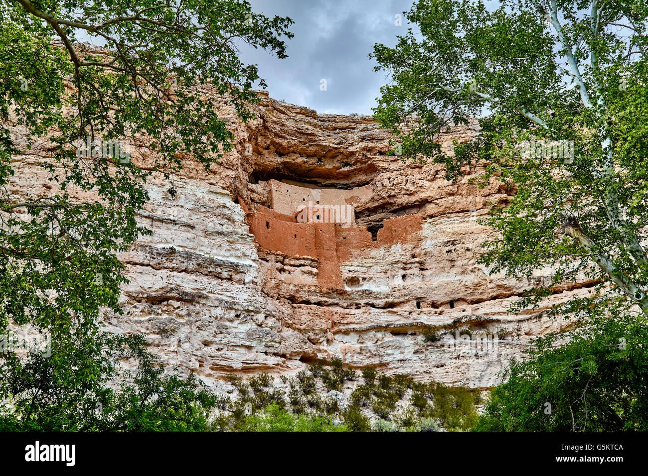 alte gut erhaltene indianischen klippe wohnung in berg aus stein
