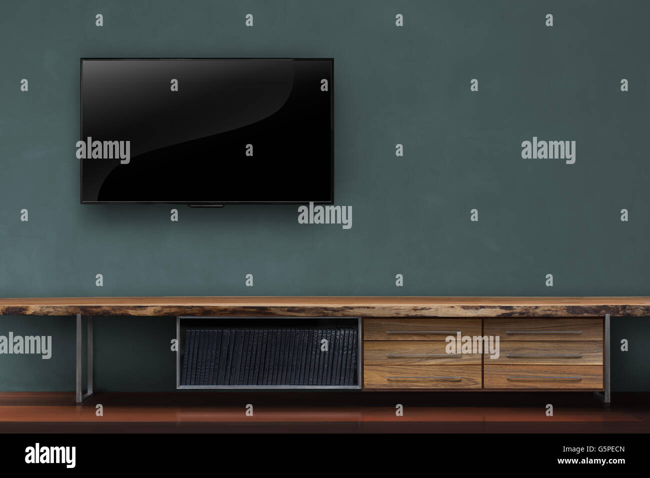 Wohnzimmer Leuchtet Tv Dunkel Grune Wand Mit Holztisch Medien Mobel