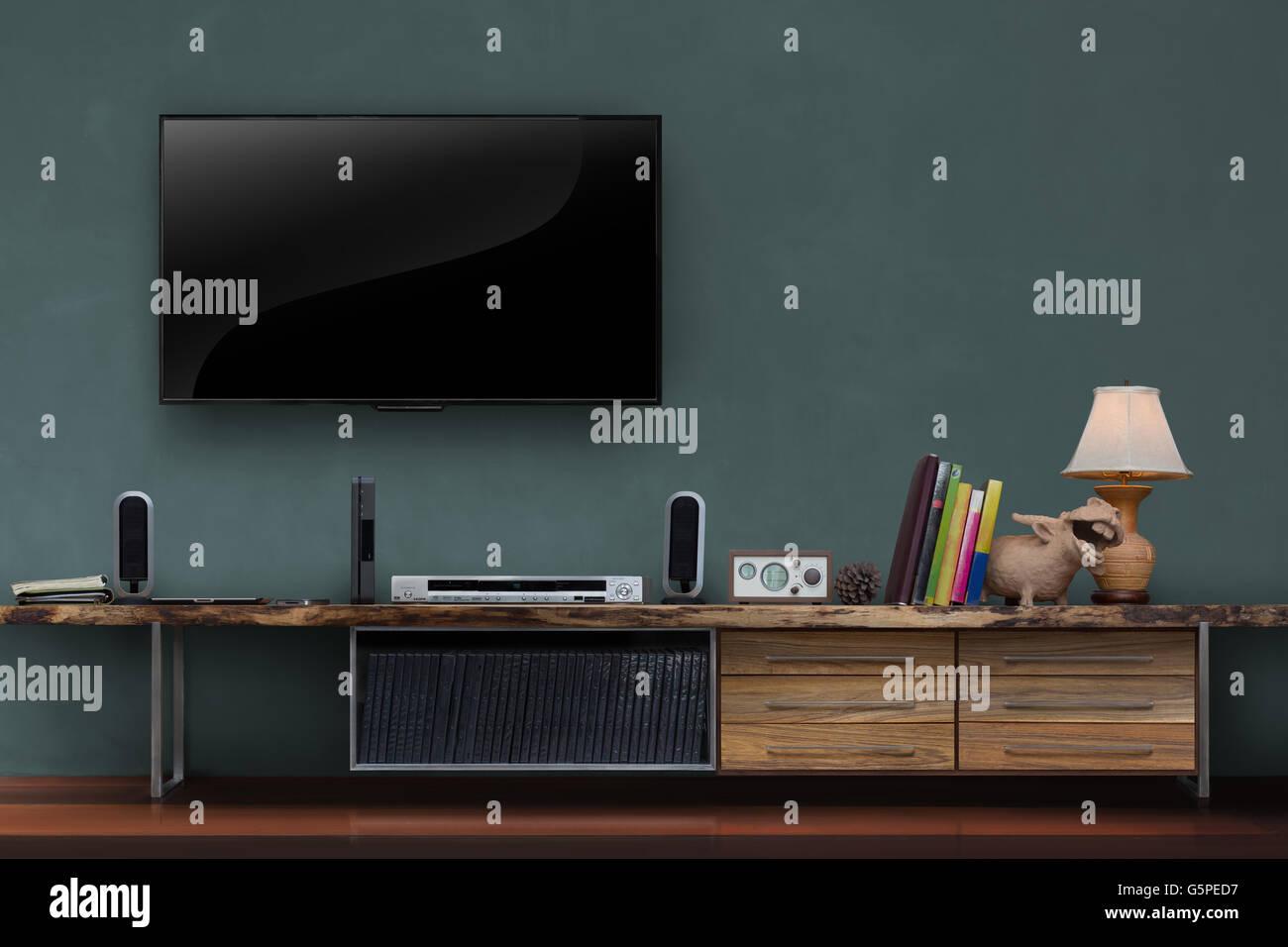 Wohnzimmer Leuchtet Tv Dunkel Grüne Wand Mit Holztisch Medien Möbel Moderne  Loft Stil