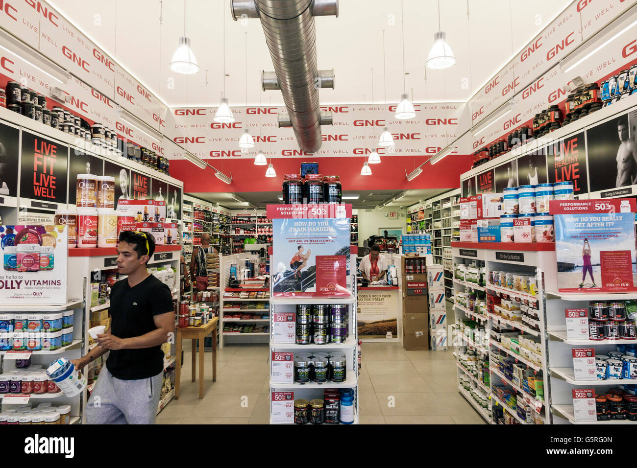 Miami Florida Beach Fußgängerzone Lincoln Road Mall Shopping GNC Vitamine Nahrungsergänzung verkauf Stockbild