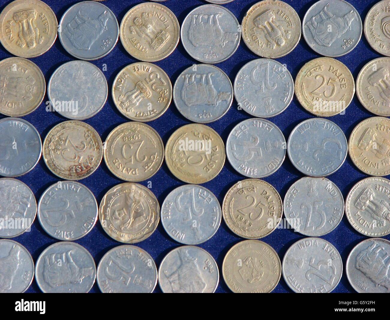 Indische Münzen Hintergrund Stockfoto Bild 106930197 Alamy