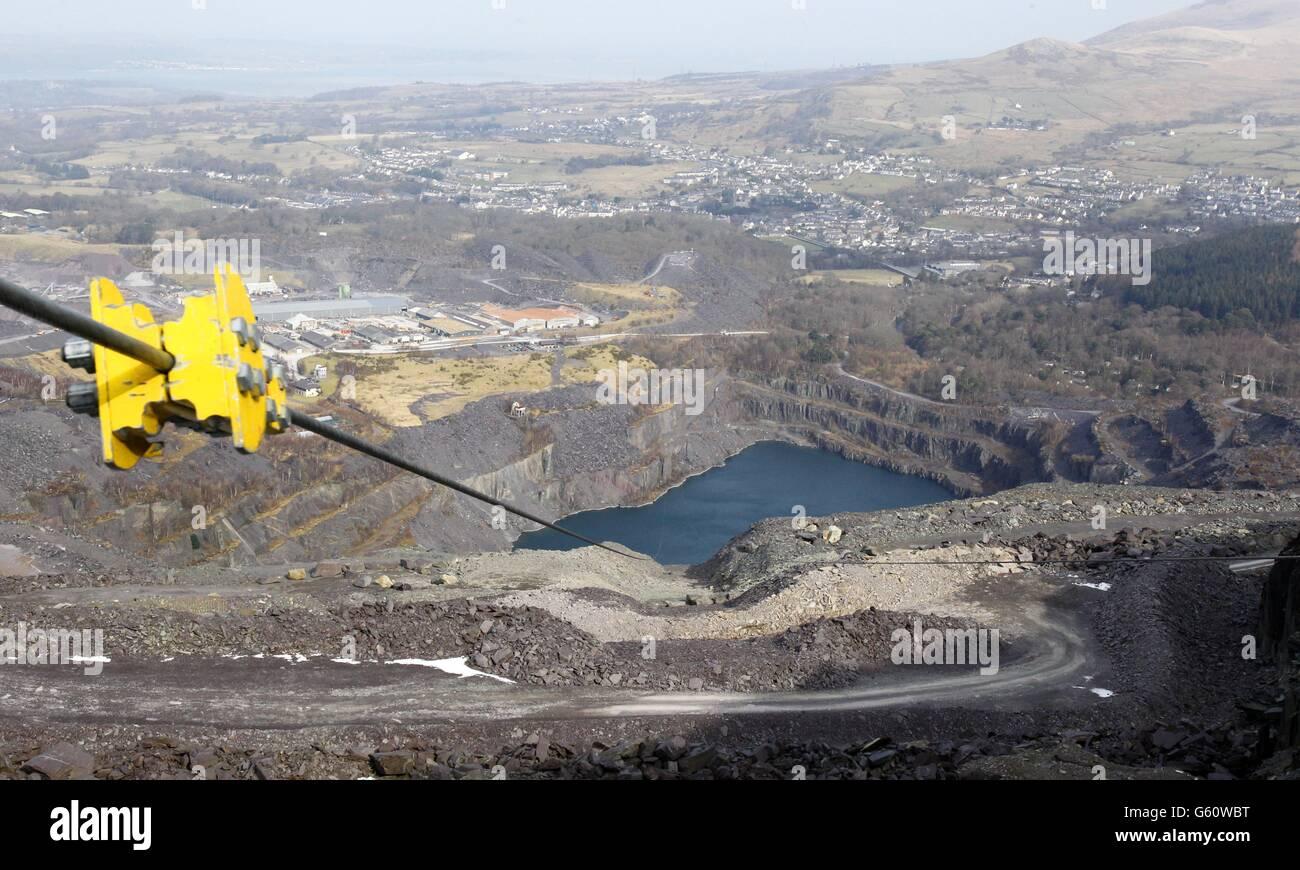 Zip Wire Wales Stockfotos & Zip Wire Wales Bilder - Alamy