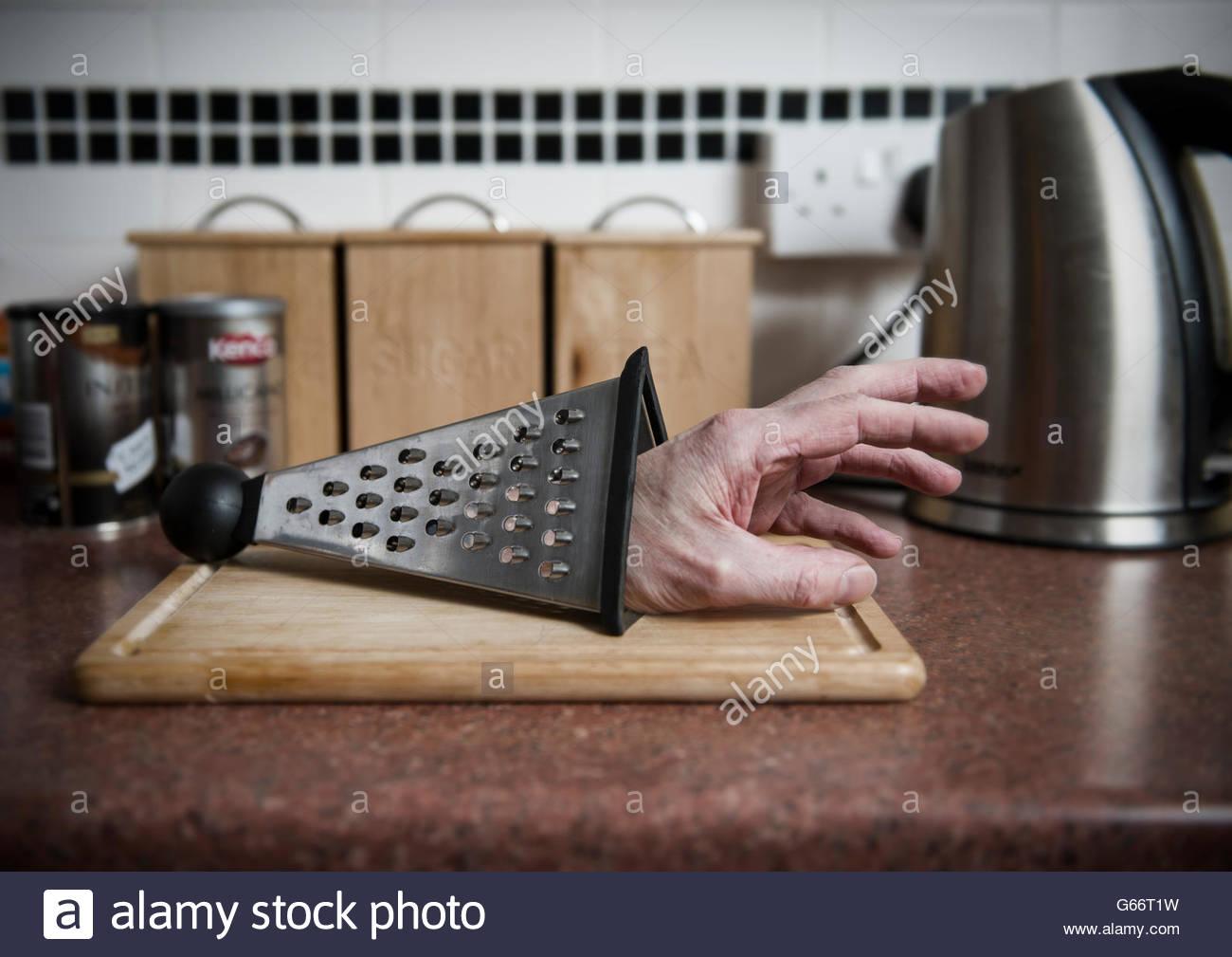 Severed Hand Stockfotos & Severed Hand Bilder - Alamy