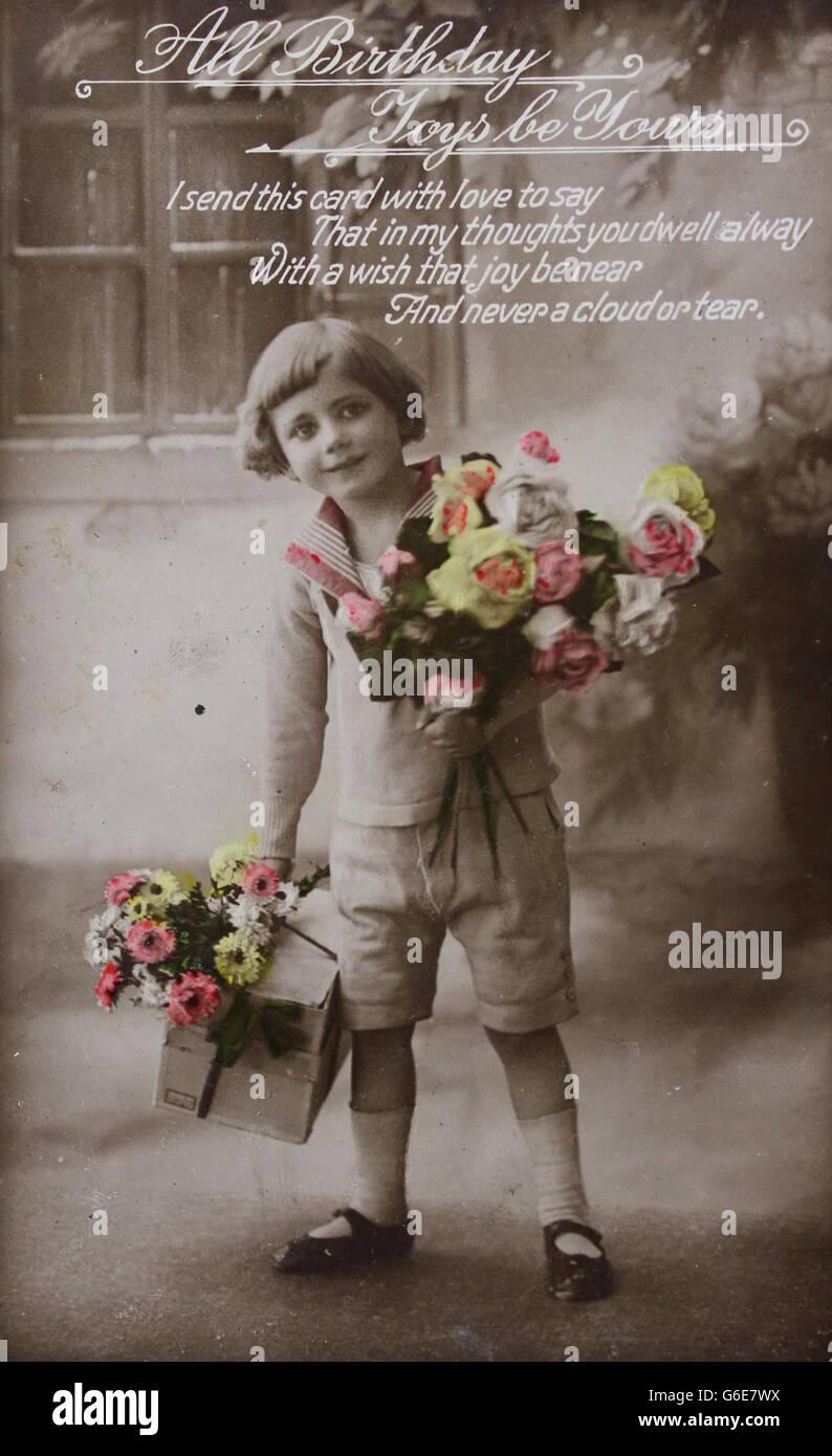 Vintage Geburtstag Photo Postkarte Von Kleinen Madchen Mit Blumen