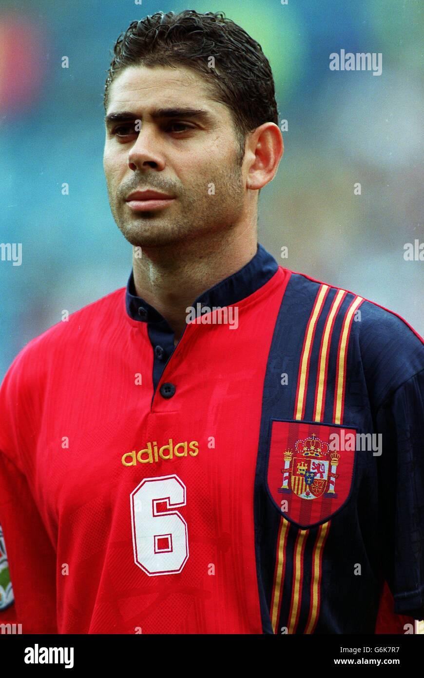 Fußball.  Euro 96. Rumänien / Spanien Stockfoto
