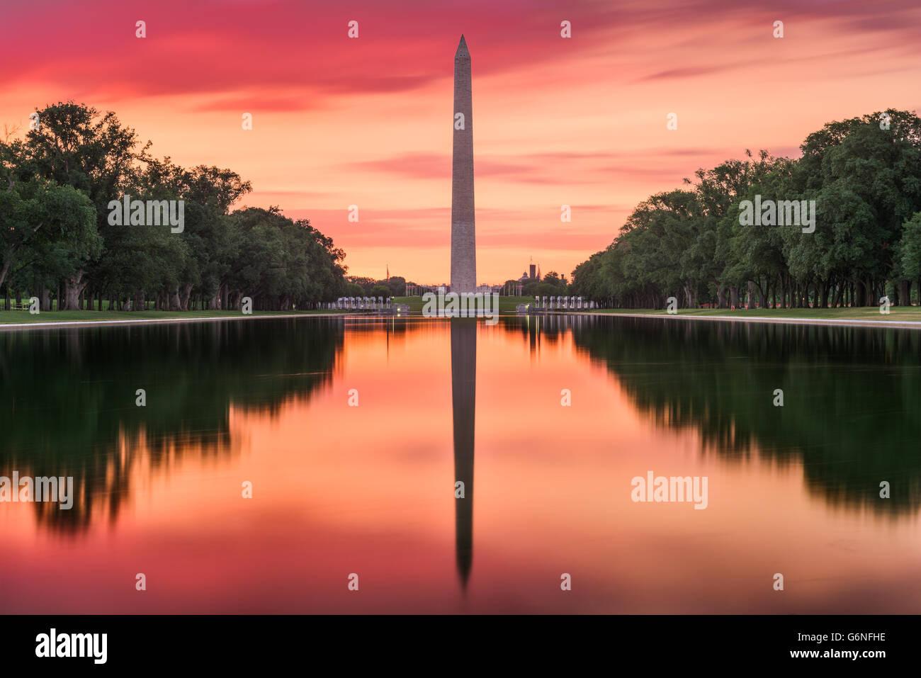 Washington DC am reflektierenden Pool und Washington Monument. Stockbild