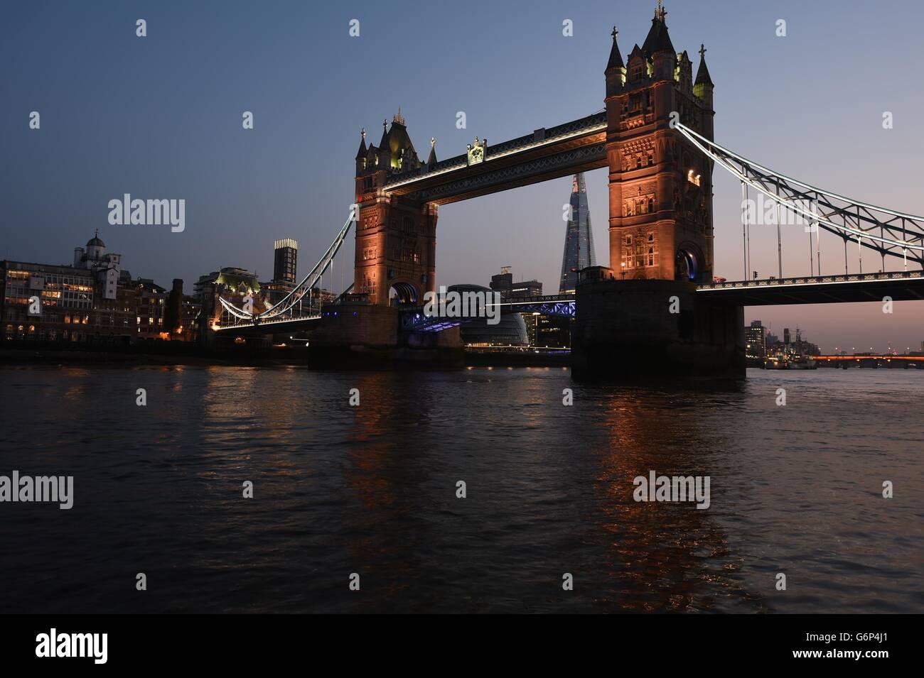 Tower Bridge, Themse, Brücke, London, UK Stockbild