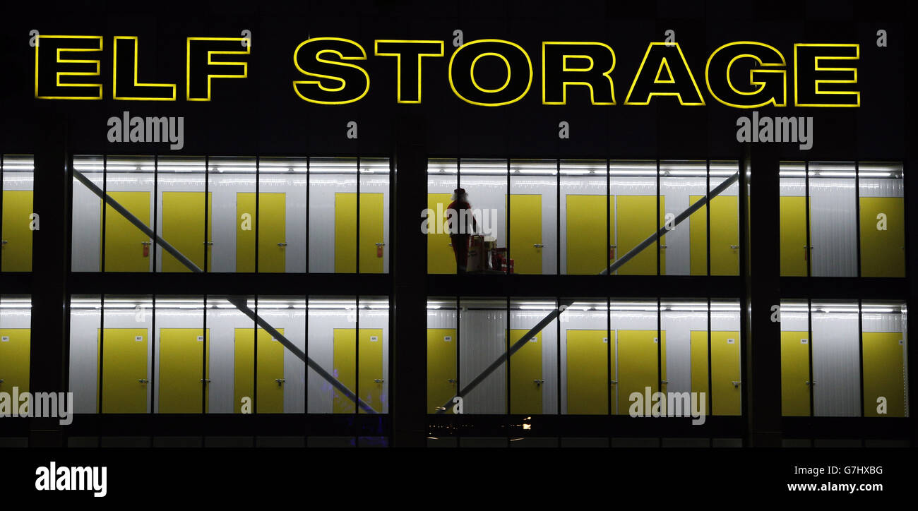 Depot Weihnachtsbeleuchtung.Weihnachtsbeleuchtung In Brentford Stockfoto Bild 107958692 Alamy