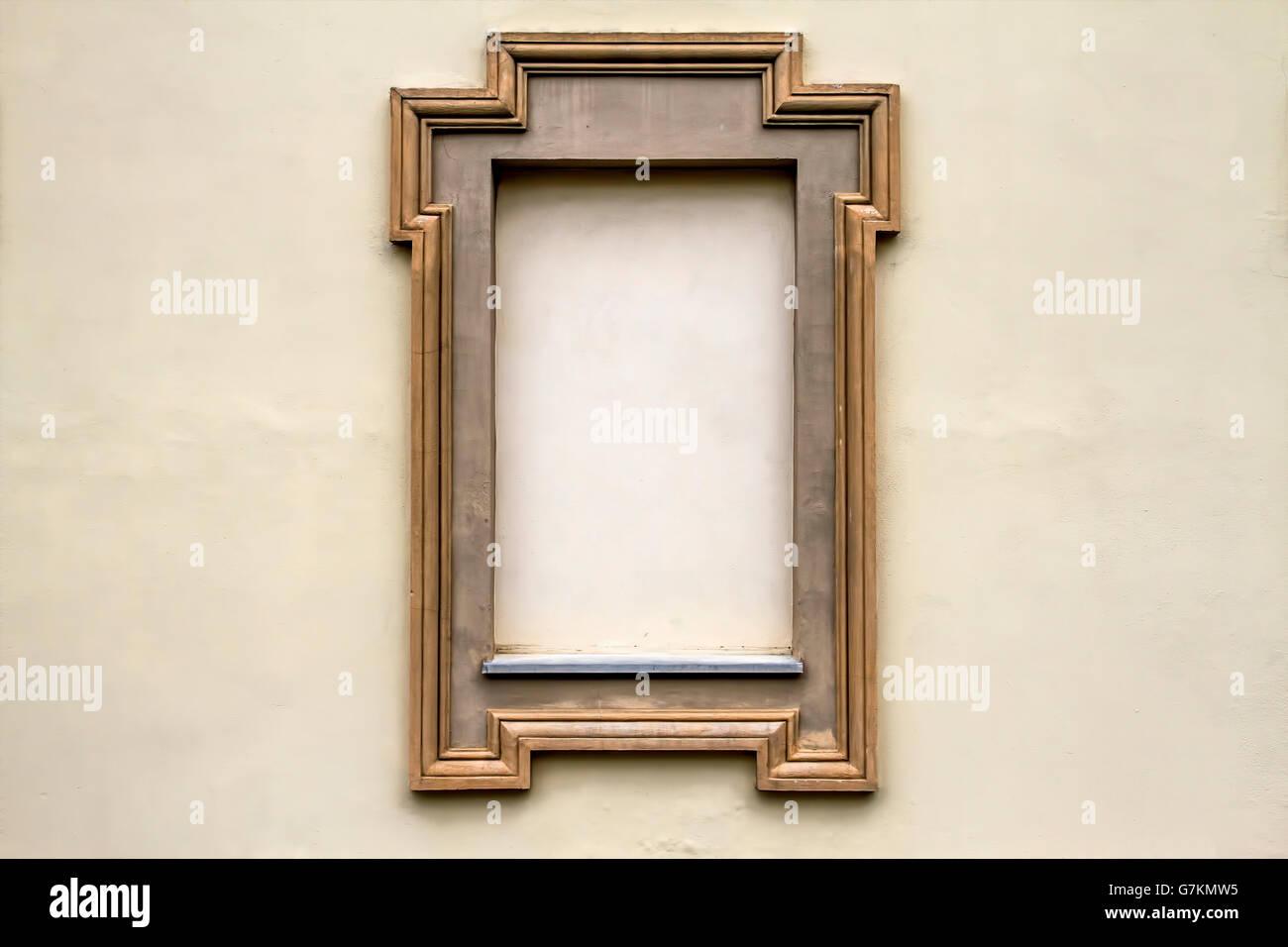Empty Frames Wall Stockfotos & Empty Frames Wall Bilder - Alamy