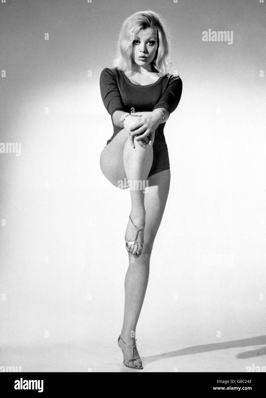 Margaret Nolan nudes (29 photos), Topless, Sideboobs, Feet, cleavage 2006