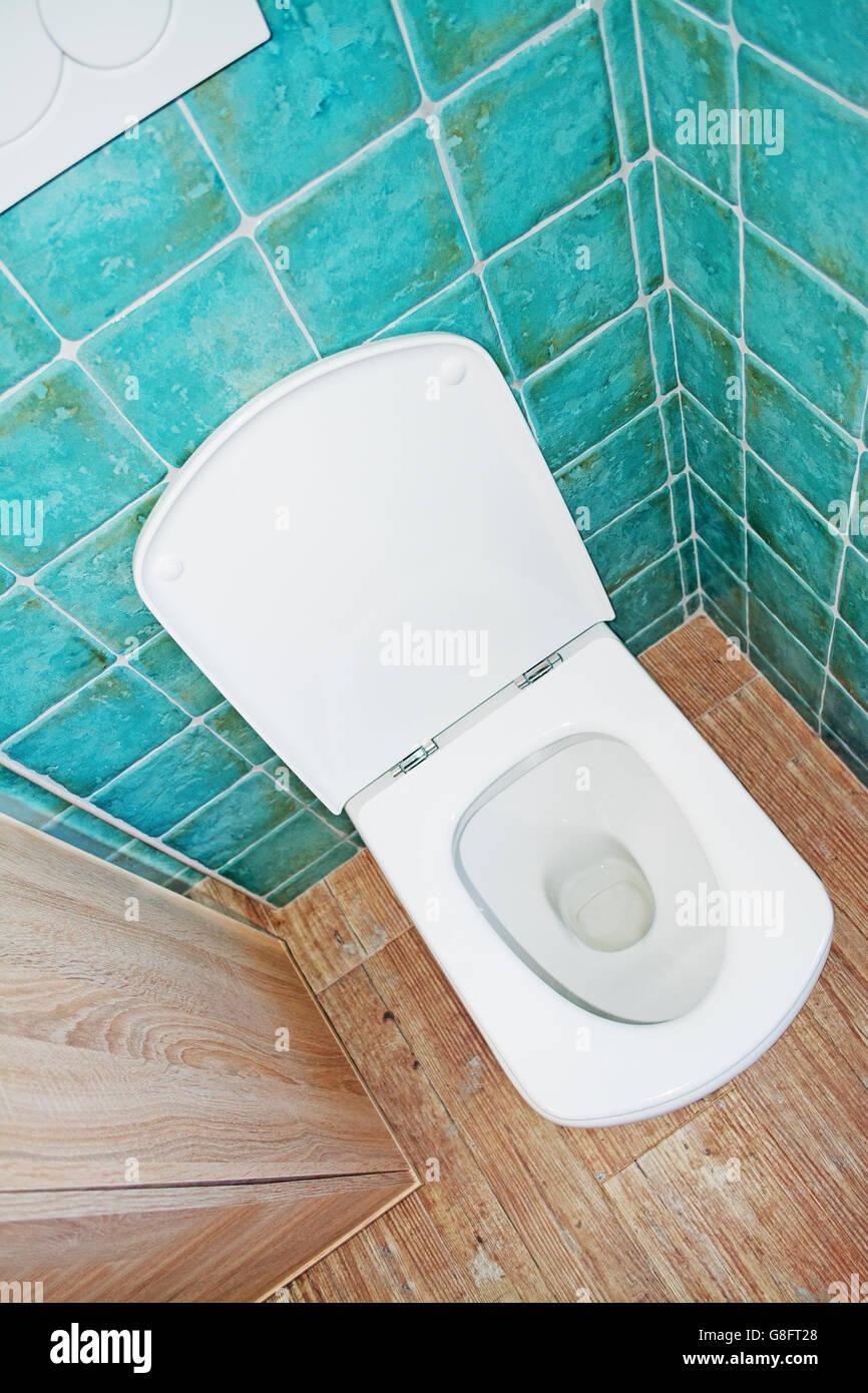 Fesselnd Wc Schüssel Weiß In Türkis Und Braun Bad