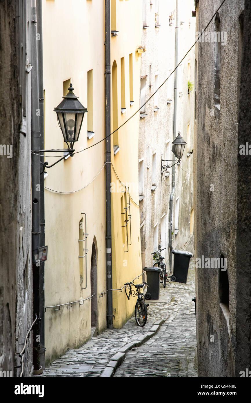 Passau street stockfotos passau street bilder alamy - Architektonische hauser ...