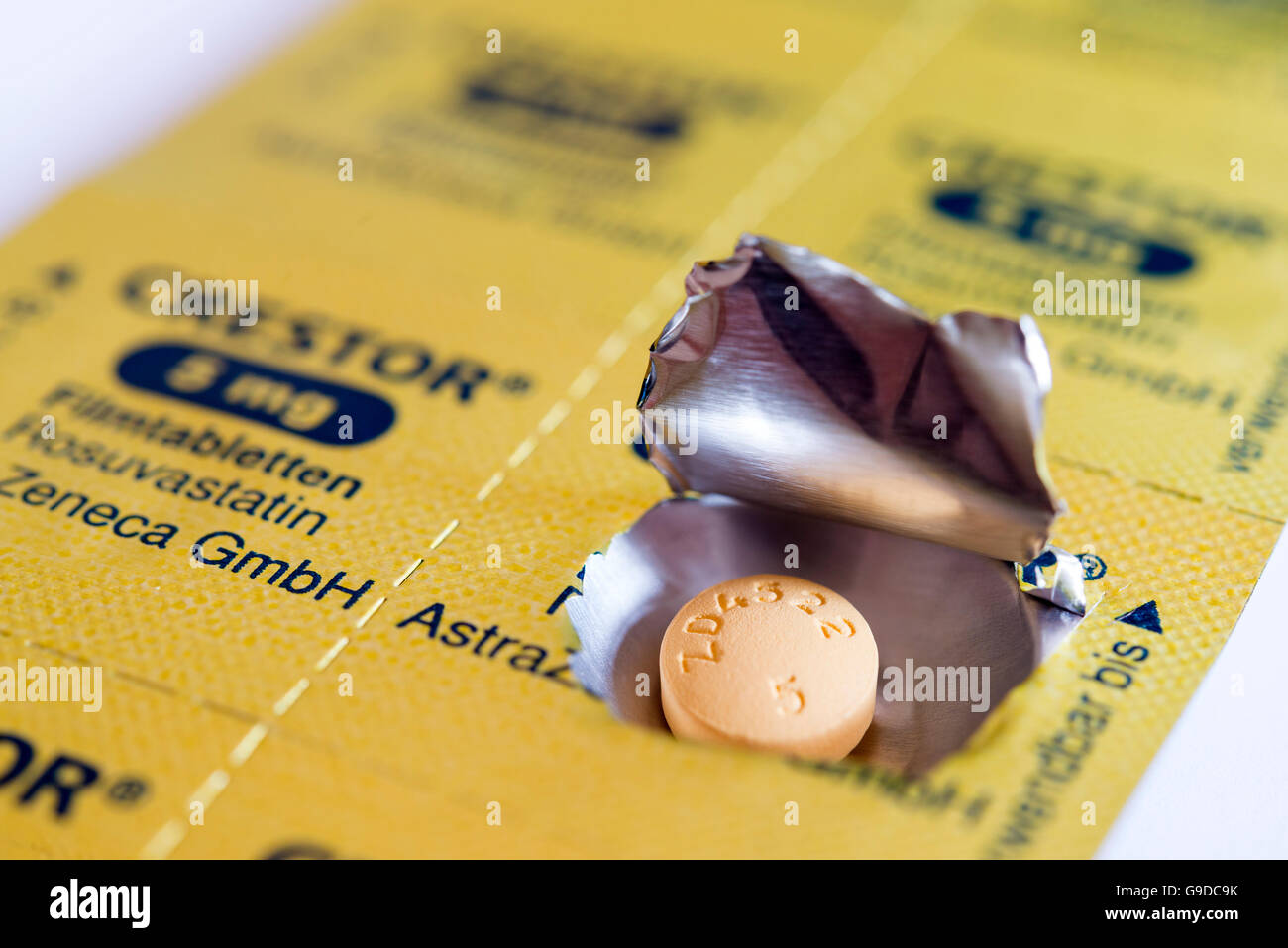 Folie-Blister-Packung für Crestor gebrandmarkt Statine Cholesterin Pillen. Stockbild