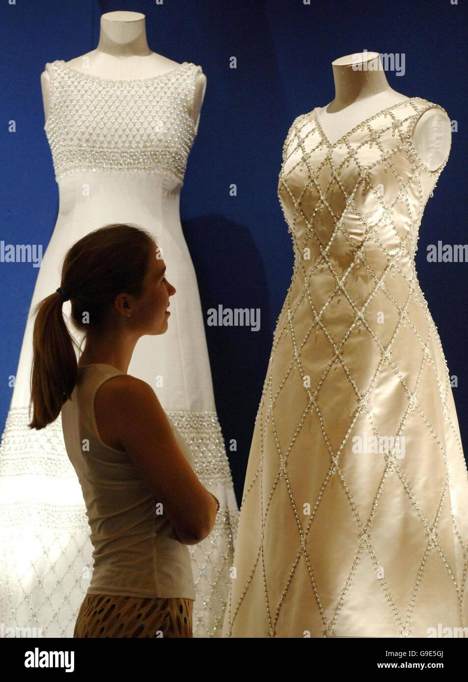 Beaded Gown Stockfotos & Beaded Gown Bilder - Alamy