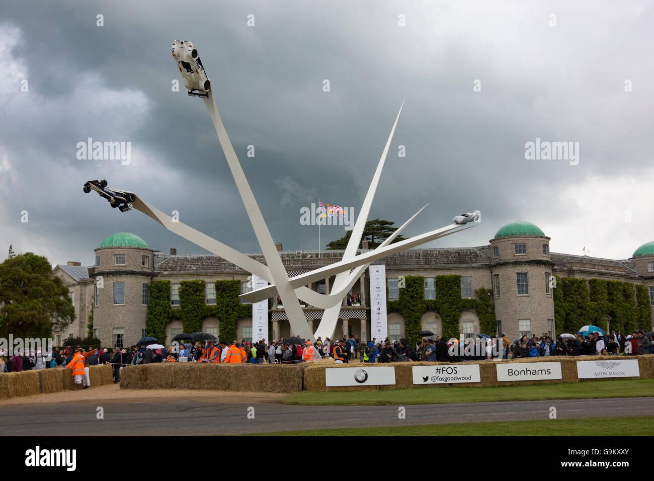 Goodwood Festival of Speed 2016 BMW Skulptur Stockbild