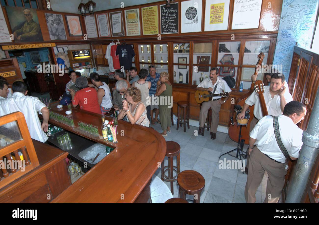 Bar-del Medio, La Bodeguita, Havanna, Kuba Stockbild