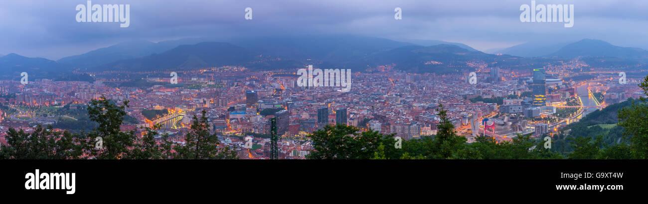 Panoramablick von Bilbao, Spanien, Juli 2014. Stockbild