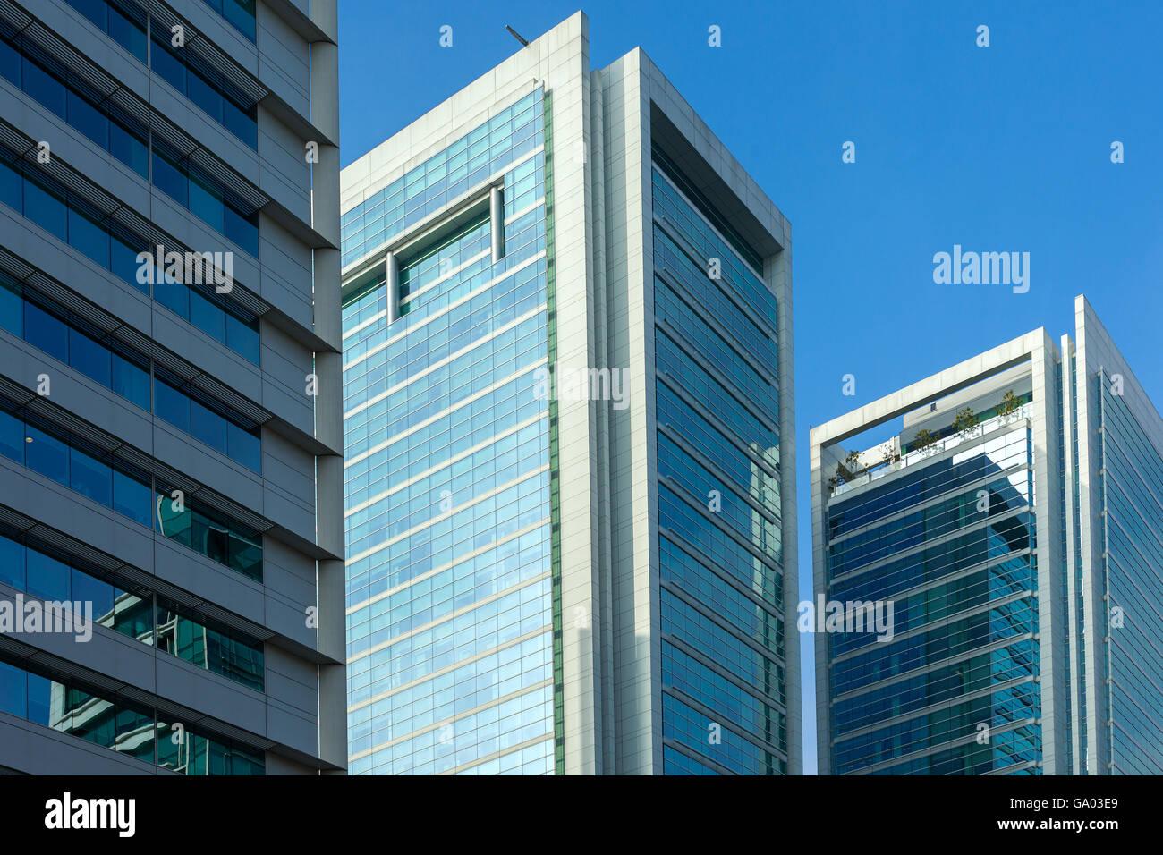 Moderne Gebäude im wohlhabenden Stadtteil Isidora Goyenechea, Santiago de Chile Stockbild