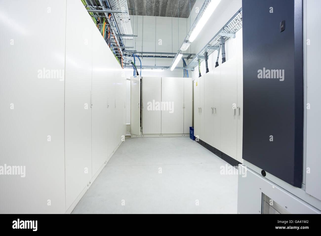 Fein Keller Elektrisch In Bilder - Schaltplan Serie Circuit ...