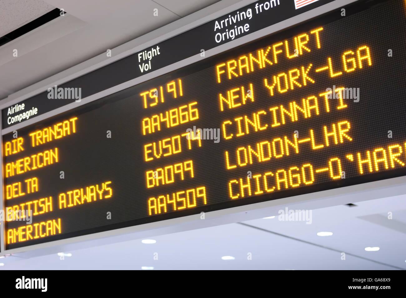 Ankünfte Board, Toronto Pearson International Airport, Toronto, Ontario, Kanada, Nordamerika Stockbild