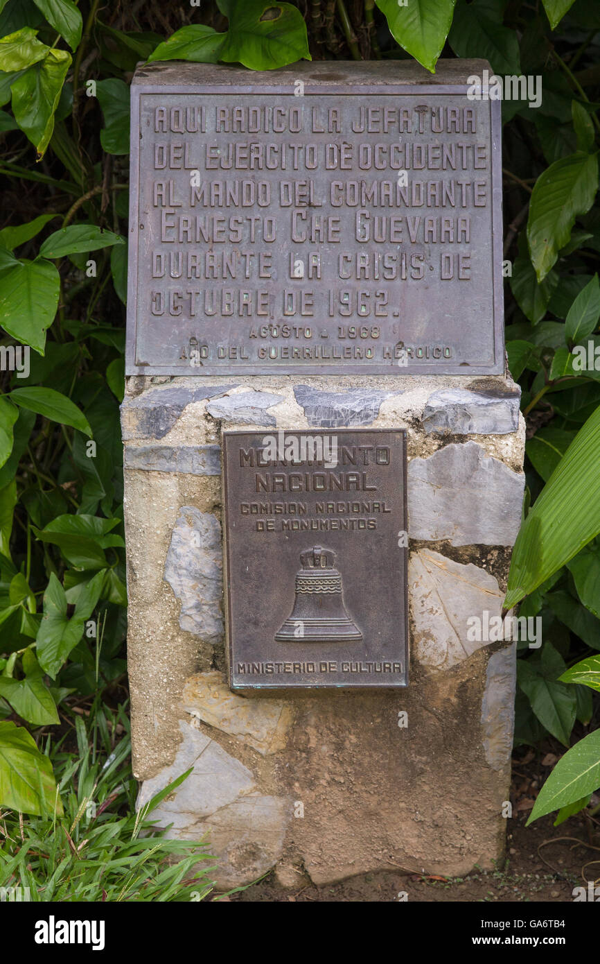 Gedenktafel vor Eingang zur Höhle, wo Che Guevara kurz während der Kubakrise 1962 ihren Sitz. Stockbild