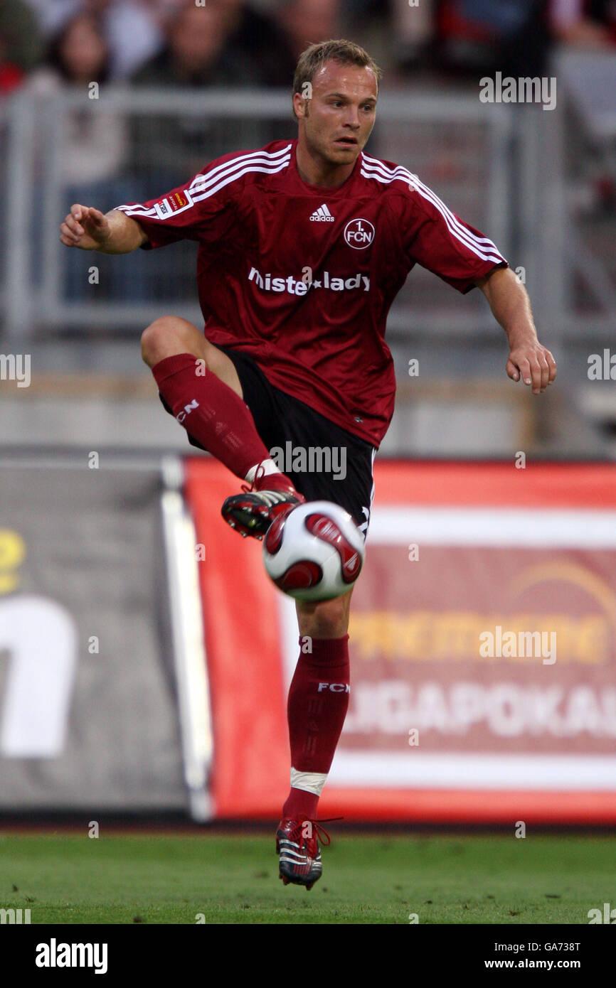 Fußball - Premiere League Cup - Halbfinale - FC Nürnberg V FC Schalke 04 - EasyCredit Stadion Stockbild
